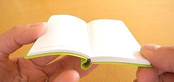 ダイゴー カラフル鉛筆付き 手帳