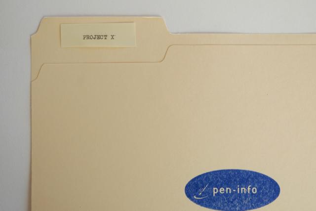 オリベッティ バレンタイン タイプライター ファイルラベルを作る