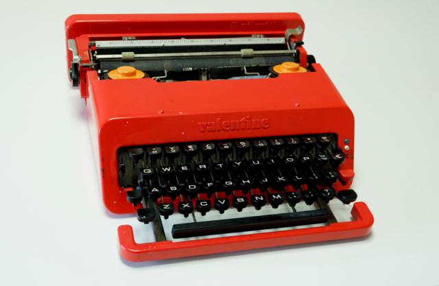 オリベッティ バレンタイン タイプライター
